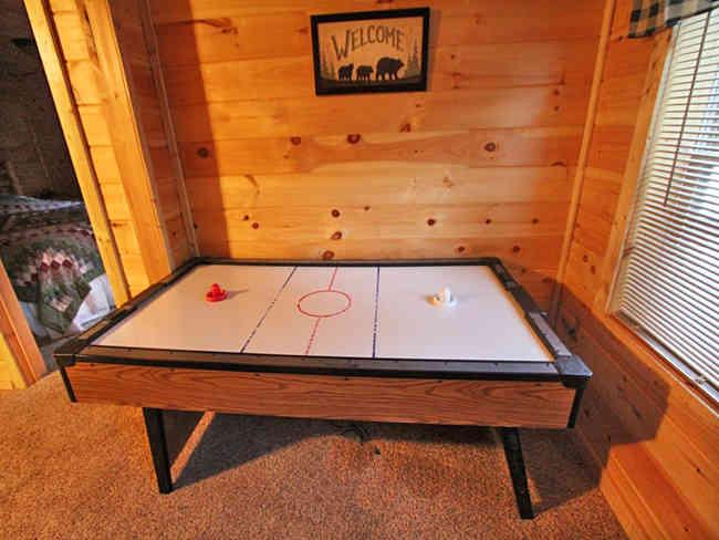 Bears Den Cabin hockey