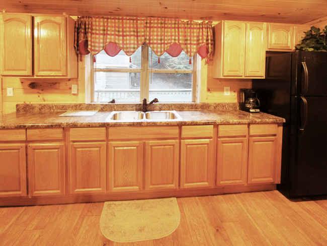 Bears Den Cabin Kitchen