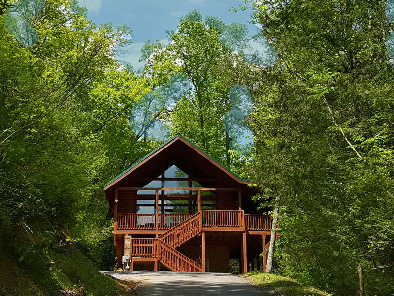 Smoky mountain secluded cabins gatlinburg wears valley for Wears valley cabin rentals secluded