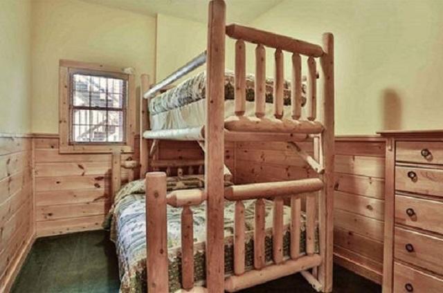 bear falls bedroom
