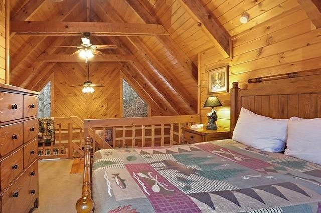 bear lodge loft bedroom