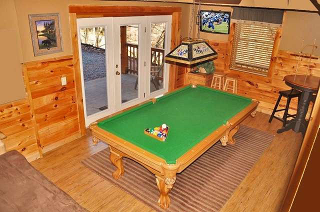 bear lodge game room