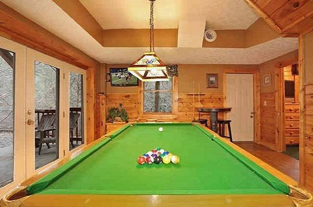 bear lodge pool table