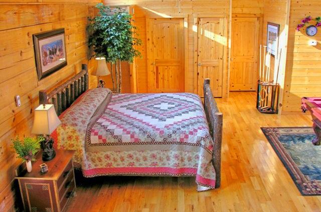 golden memories bedroom