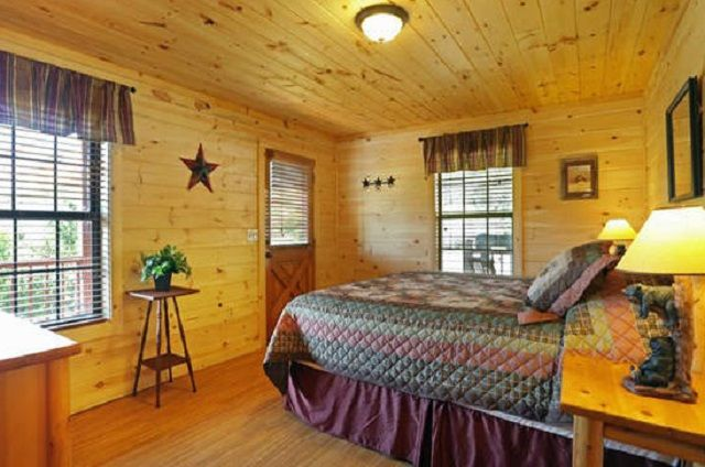 golden view lodge bedroom king