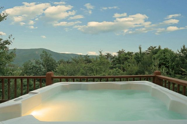 golden view lodge hot tub