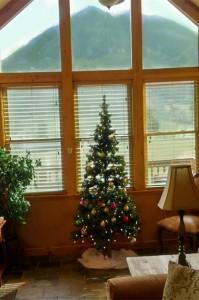 family-memories-christmas-tree