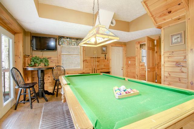 bear lodge pool table