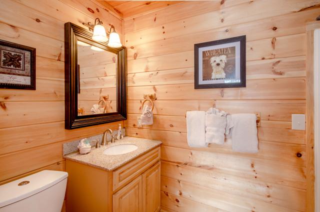 golden view lodge bathroom
