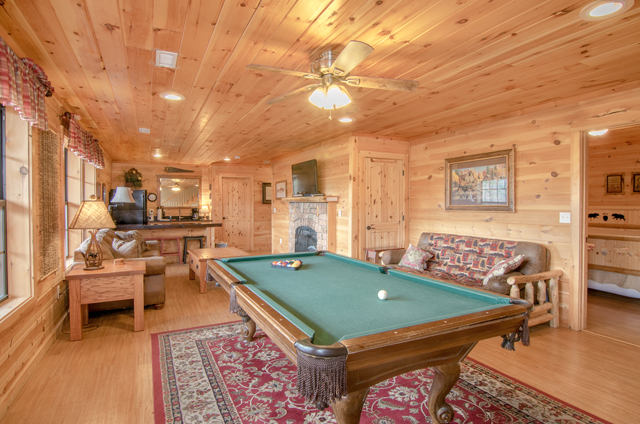 golden view lodge game room